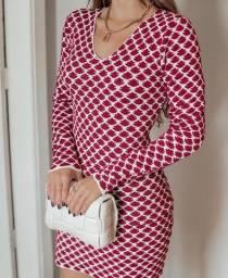 Vestido feminino em tricot