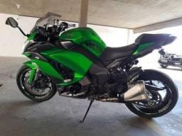 Moto Kawasaki Ninja 1000.