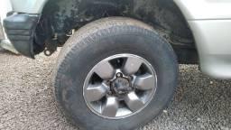 rodas Hilux aro 15 com pneus