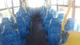 Vendo  ou troco por ônibus para desmanchar no 32 mil