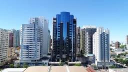 Título do anúncio: Luxuoso apartamento mobiliado e Decorado, 3 suítes,4 vagas de garagens individuais, espaço