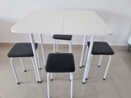 Título do anúncio: Conjunto mesa com banquinhos