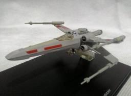 Título do anúncio: Miniatura Star War  Nave X-WING