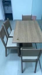 Título do anúncio: Oportunidade -Mesa de jantar 4 cadeiras 120 CM X 80 CM