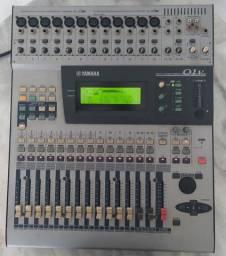 Console Yamaha 01v