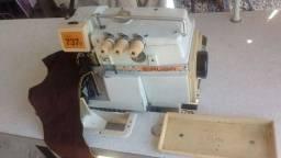 Maquina de costura overlock Siruba D