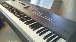 Piano sintetizador Yamaha MM8