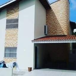 Grande oportunidade // casa em condomínio