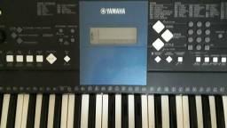 Teclado PSR 333 yamaha com ritmos