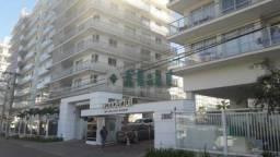 Apartamento à venda com 3 dormitórios cod:FLAP30143