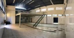 Galpão Aterrado com 660 m² de terreno e 420 m² de Obra