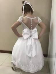 Vendo vestido dama de honra (daminha)Sapato e tiara em pérolas