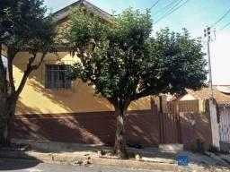 Casa com 6 dormitórios à venda por R$ 300.000 - Centro - Pouso Alegre/MG