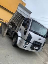 Ford Cargo 1519 (4x2) Caçamba 2015