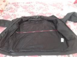 Vendo jaqueta de couro cor marrom tamanho G