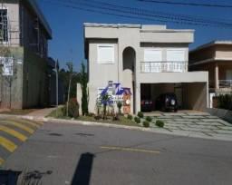 Casa a venda em condomínio 4 dorm, sendo 2 suítes e 4 vagas - Tambore