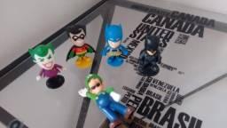 Mini bonecos Liga Da Justiça e Luigi-Mario Bros