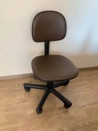 Título do anúncio: Cadeira Escritório Usada