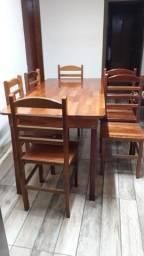 Mesa de jantar de madeira 6 lugares