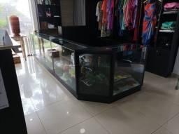 Título do anúncio: Balcão expositor para roupa, acessórios de lojas