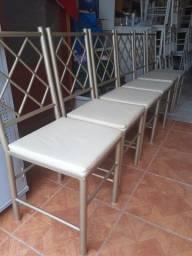Vendo 6 cadeiras cadeiras reforçada ótima conservação Usada ___entrego