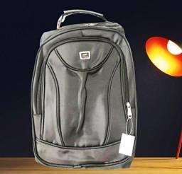 Título do anúncio: Lindíssima mochila executiva alça de cabo de aço, últimas unidades  $79,98