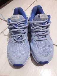 Tênis Nike feminino n. 34/35 original