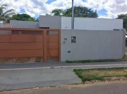 Linda Casa Tiradentes Ganha 02 Condicionadores de Ar Instalado**