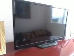 Título do anúncio: TV LG Semi-nova