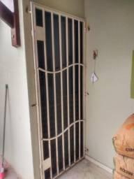 Porta, grades e janelão
