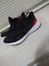 Título do anúncio: Tênis Nike Original Revolution