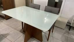 Mesa de 4 completa madeira e acabamento laka luxo
