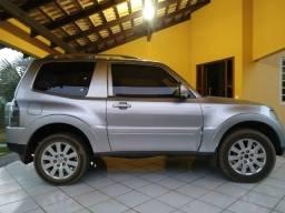 Pajero Full diesel, ano/modelo 2008, HPE 3.2 três portas. Em ótimo estado de conservação!