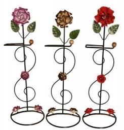 Porta papel decorativo de flores feito de ferro nas cores rosa vermelho e marrom