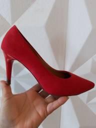 Título do anúncio: Scarpin vermelho 35 salto 8,5cm