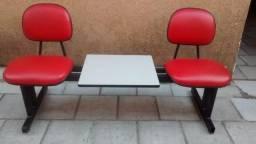 Título do anúncio: Banqueta dois lugares e Mesa de Centro