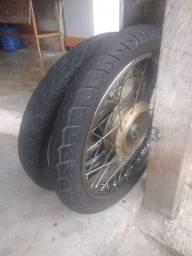 Vendo rodado da fã 160 aro 18 com pneus novos