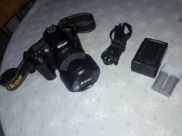 Câmera profissional Nikon D90 com pouco uso