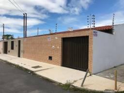 Casa na Rua B, c/ 2 quartos, Bairro Aruana