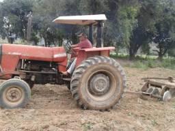 Trator MF 275 4x2