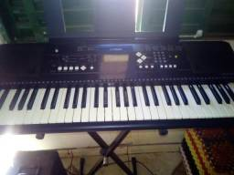 Vendo teclado Yamaha psr e3333 valor 1200