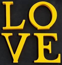 Palavra Love Mdf Decorativo Amarelo