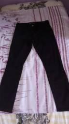 Calça preta