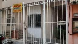 Casa em vila - quarto, sala, cozinha, banheiro e área em Agostinho Porto