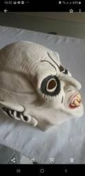 Máscara de fantasia emborrachada