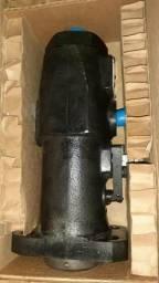 Bomba para máquina pesada