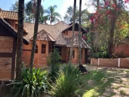 Casa Maravilhosa arquitetura serrana em condominio na Serra da Cantareira
