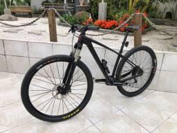 Bicicleta MTB Aro 29 - Carbono