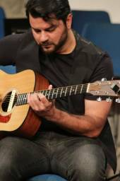 Aulas de Guitarra, Violão e Ukelele