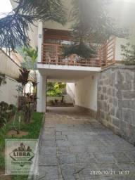 Casa mobiliada com 2 quartos + 3 quartos externos , salão em 2 ambientes com lareira, vara